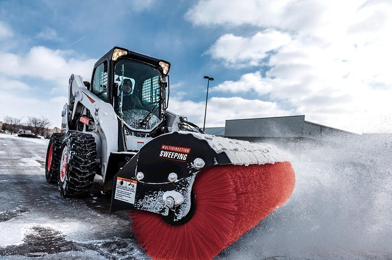 bobcat-s650-snow